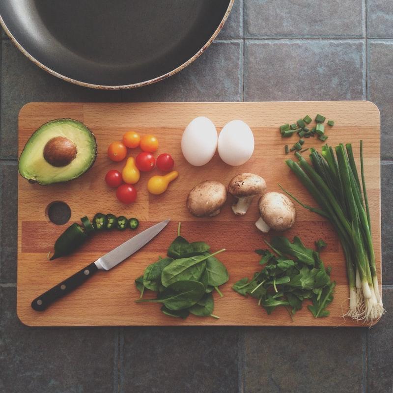 一人暮らしだと食生活がやばい!最低限の栄養は摂取しよう◎