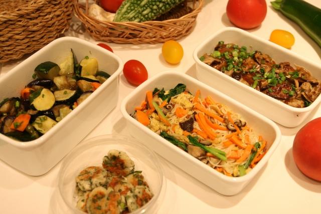【一人暮らし】週末に作り置きしよう!オススメの常備菜・簡単レシピ◎