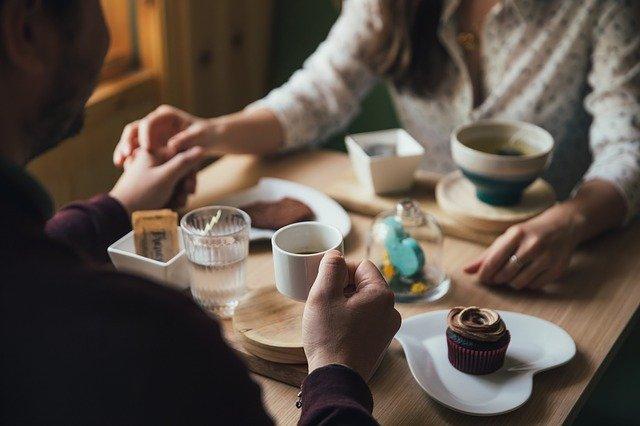 【デート前必見!】悪い印象を与えないようにする食べ方のマナーを紹介◎